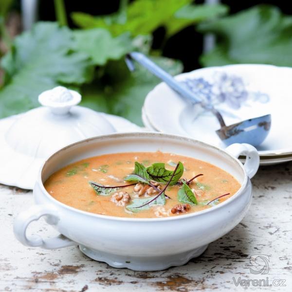 hustá cizrnovo-bramborová polévka s mangoldem